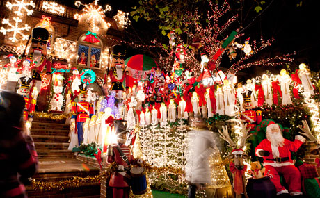 Dyker Heights Brooklyn Christmas Lights.Dyker Heights Christmas Lights In New York City A Slice Of