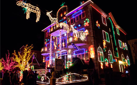 Dyker Heights Christmas Lights in New York City – A Slice of ...