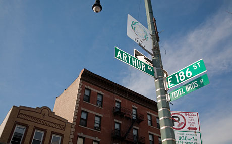 Arthur Avenue street sign