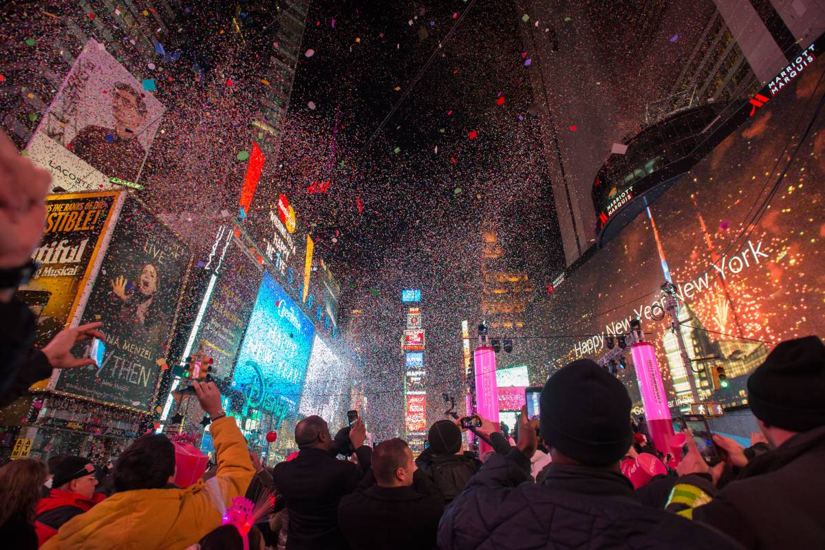 new years eve in times square dont drop the ball
