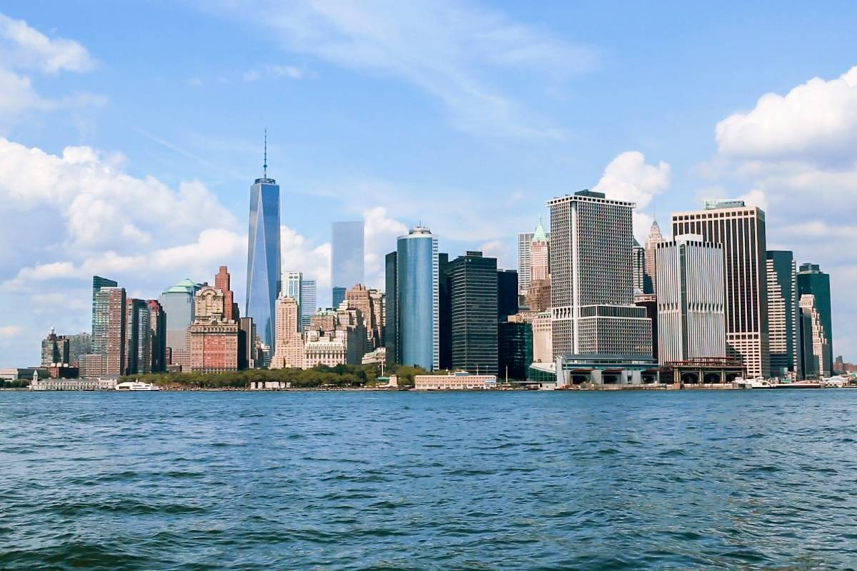 100 manhattan streets and avenues must see places new for Must see attractions in new york