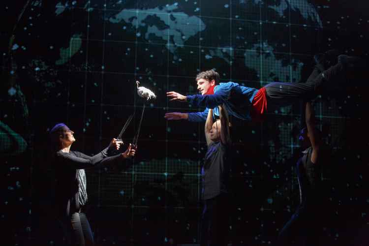 Productions photos of The Curious Incident of the Dog in the Night-Time