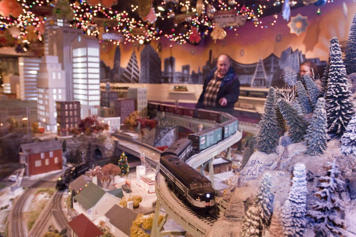Holiday Train Show at Grand Central