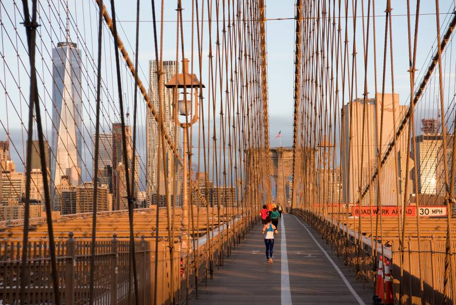 Brooklyn Bridge, walking the brooklyn bridge, brooklyn bridge pedestrian walkway
