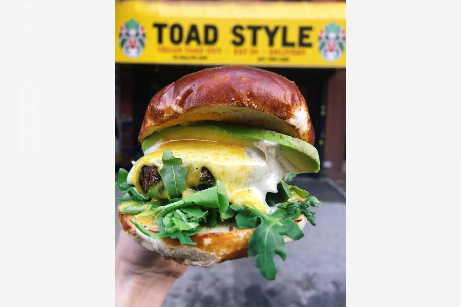 Toad Style, sandwich, exterior