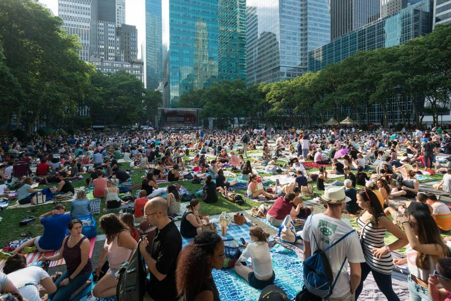 Bryant Park, outdoor movie night,