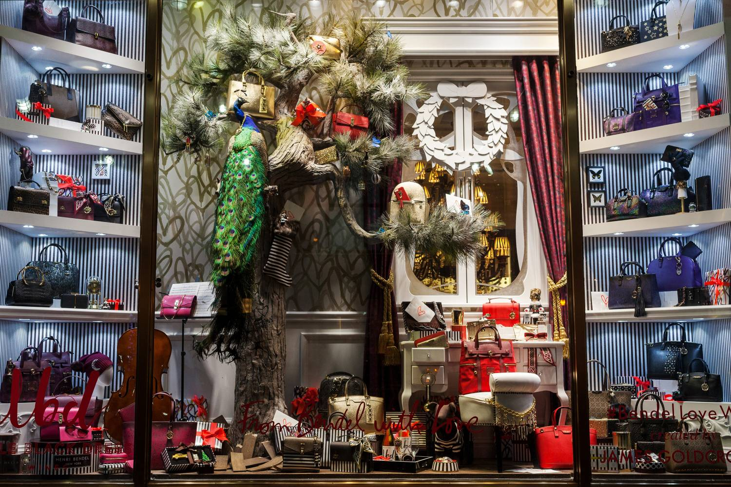 Nyc Holiday Window Displays You Have To See The Official