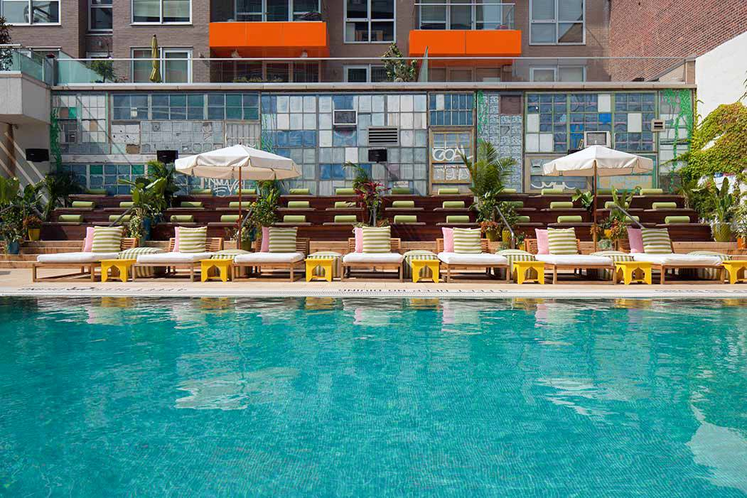 Nyc hotels with swimming pools for Pool pool pool