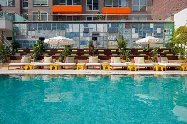 Nyc hotels with swimming pools for Indoor swimming pools in brooklyn