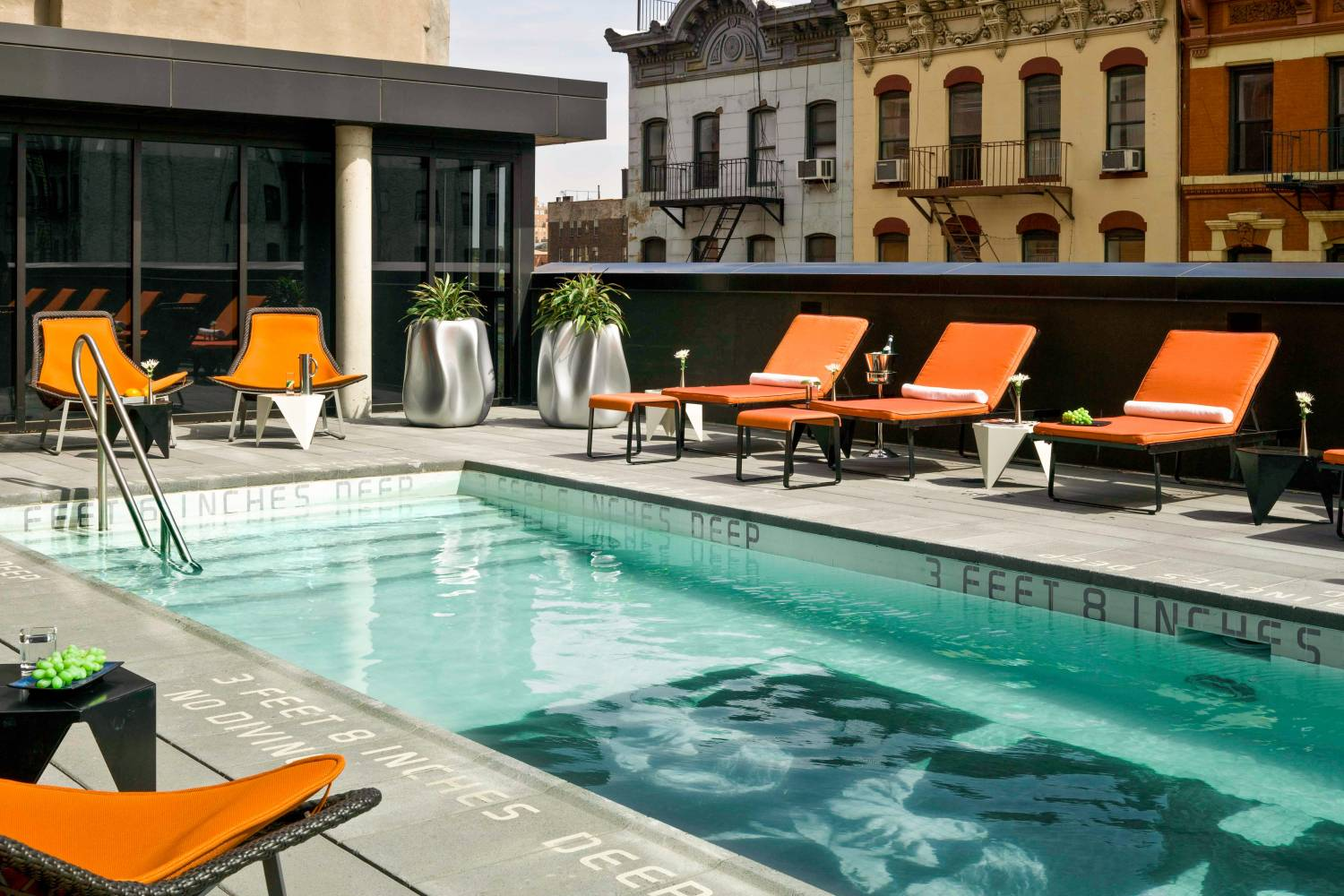 Nyc hotels with swimming pools for Piscine new york