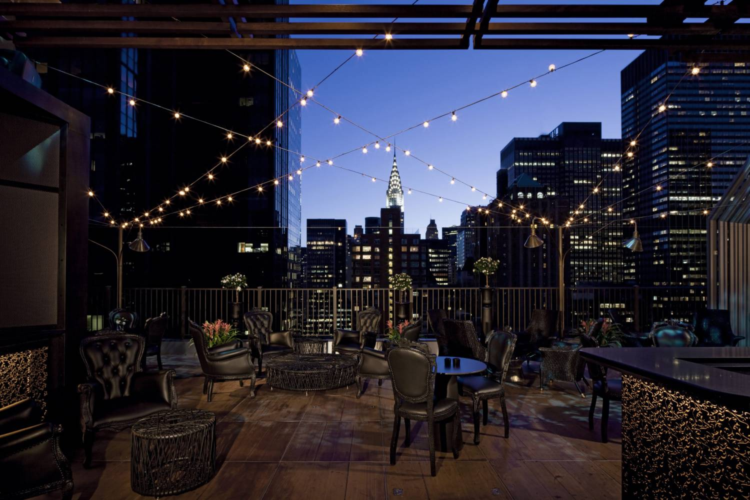 rooftop hotels nyc best rooftops in new york city. Black Bedroom Furniture Sets. Home Design Ideas