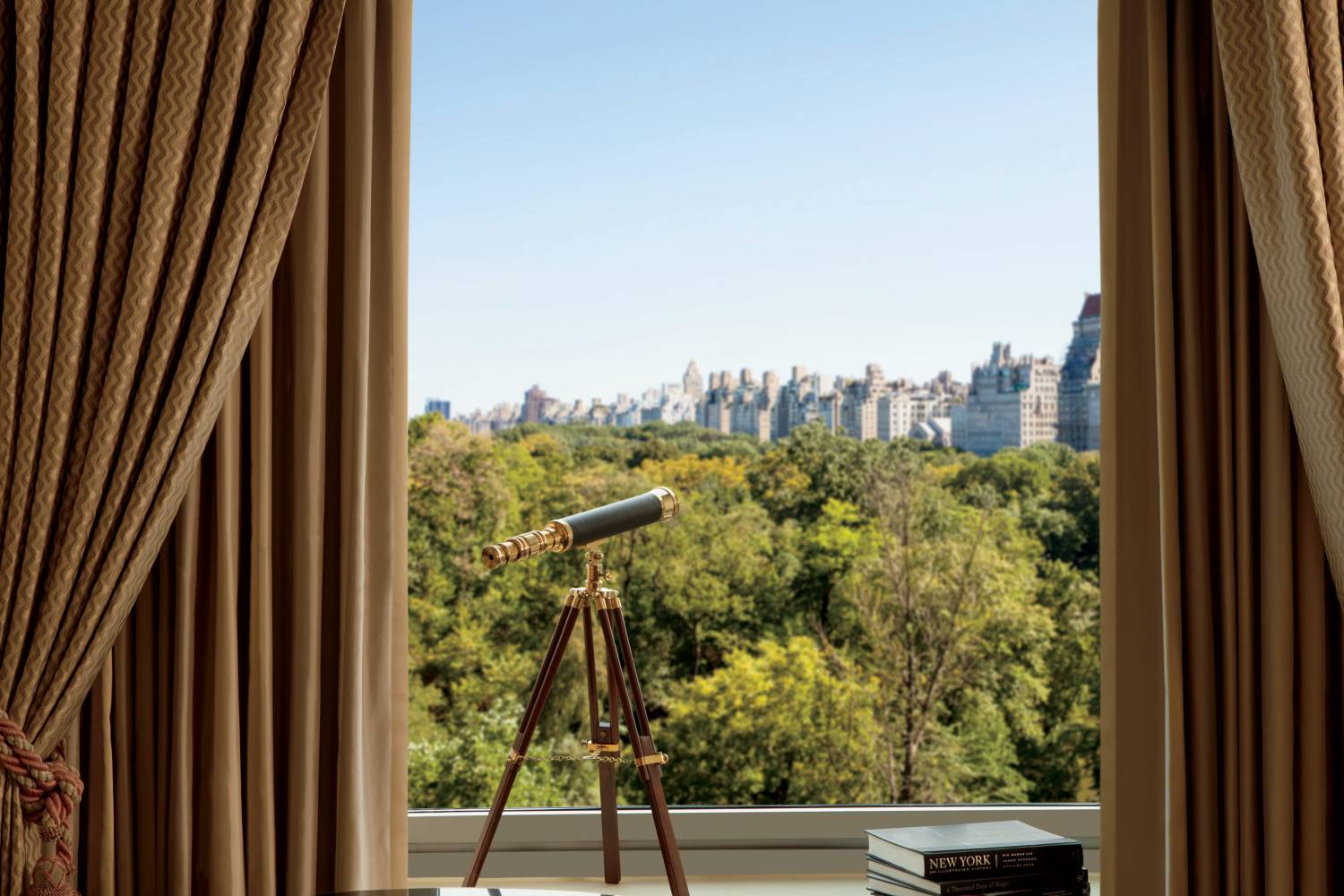 Rooms: NYC Hotels: Rooms With A View