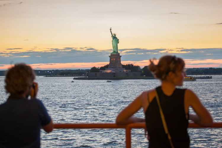 Places To Eat Near Staten Island Ferry