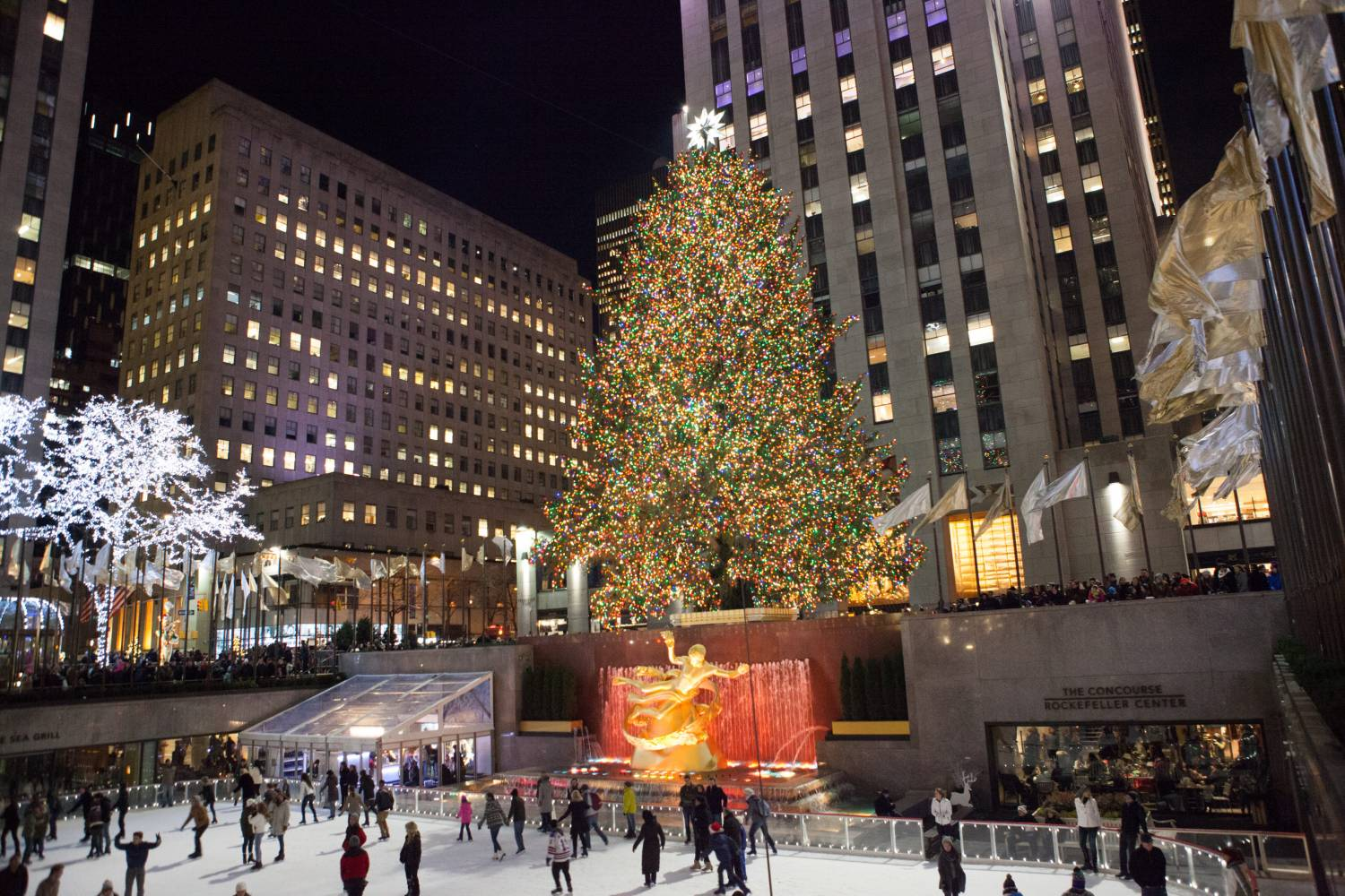 Best Christmas Decorations In Nyc