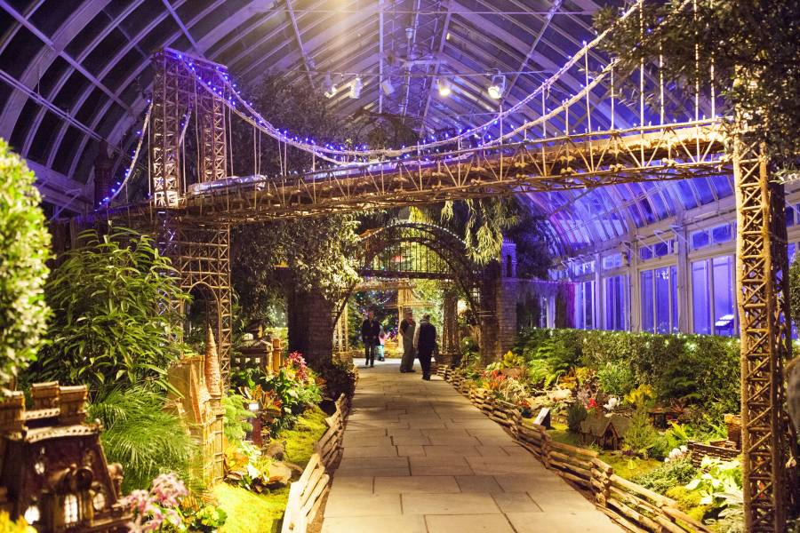 New year s day in new york city the official guide to Brooklyn botanical garden train show