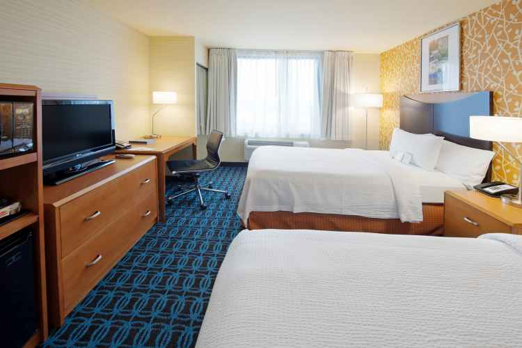 Fairfield Inn JFK, room