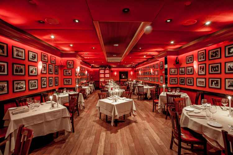 Club A Steakhouse, interior
