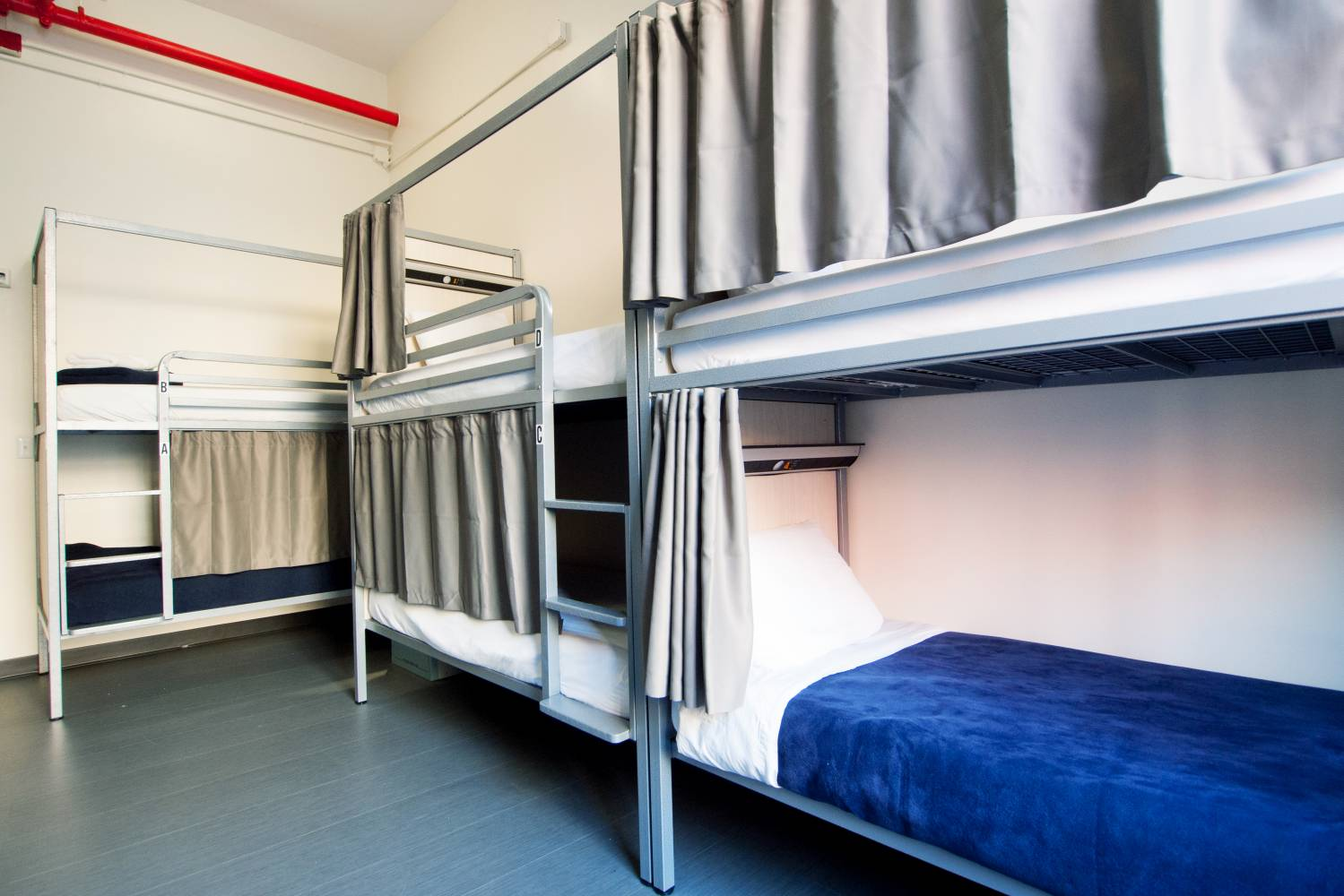 shared bunk bed room at Hostelling International New York
