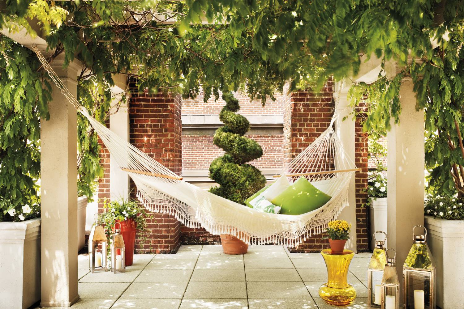 outdoor patio at Hudson New York