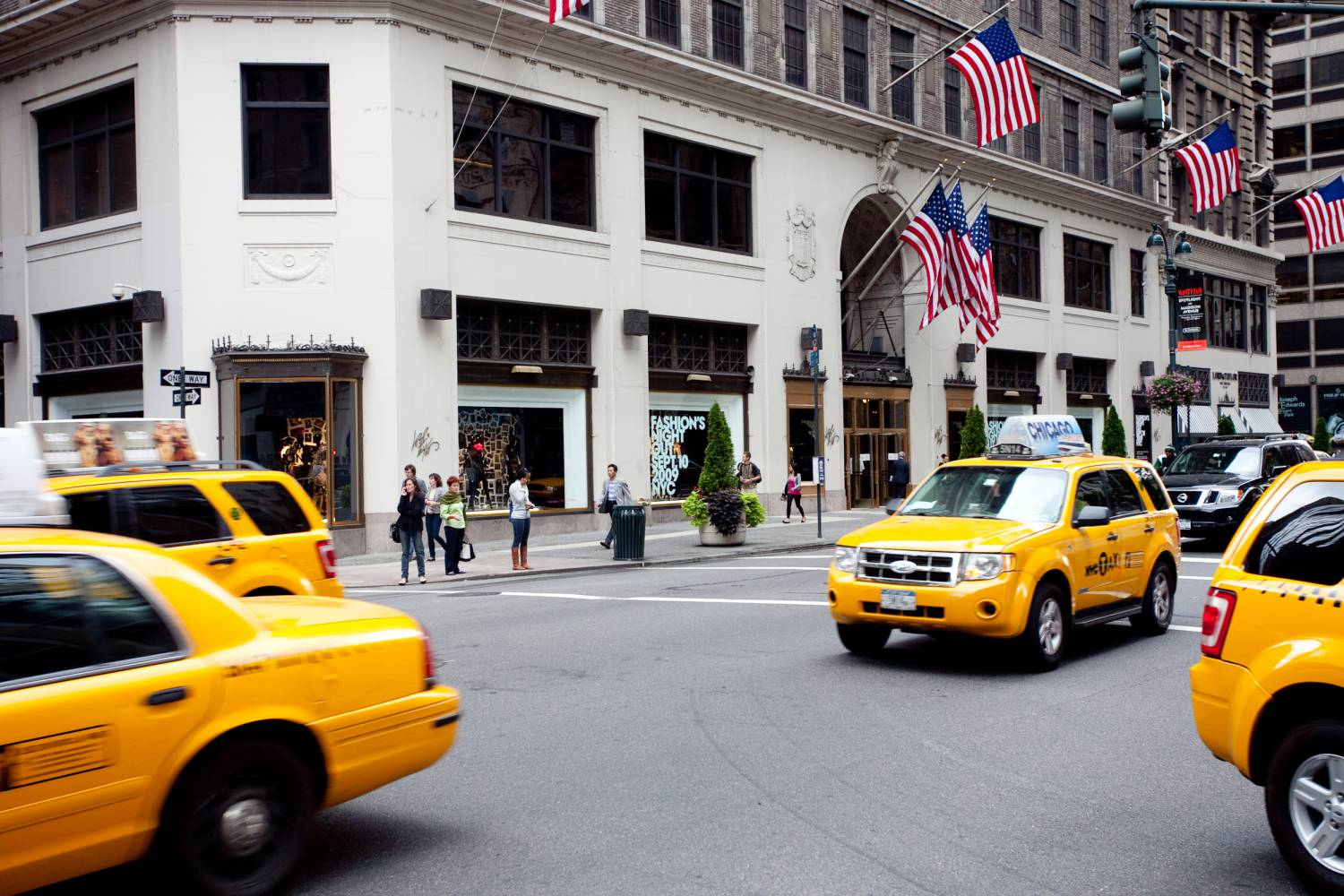 Lord & Taylor, exterior