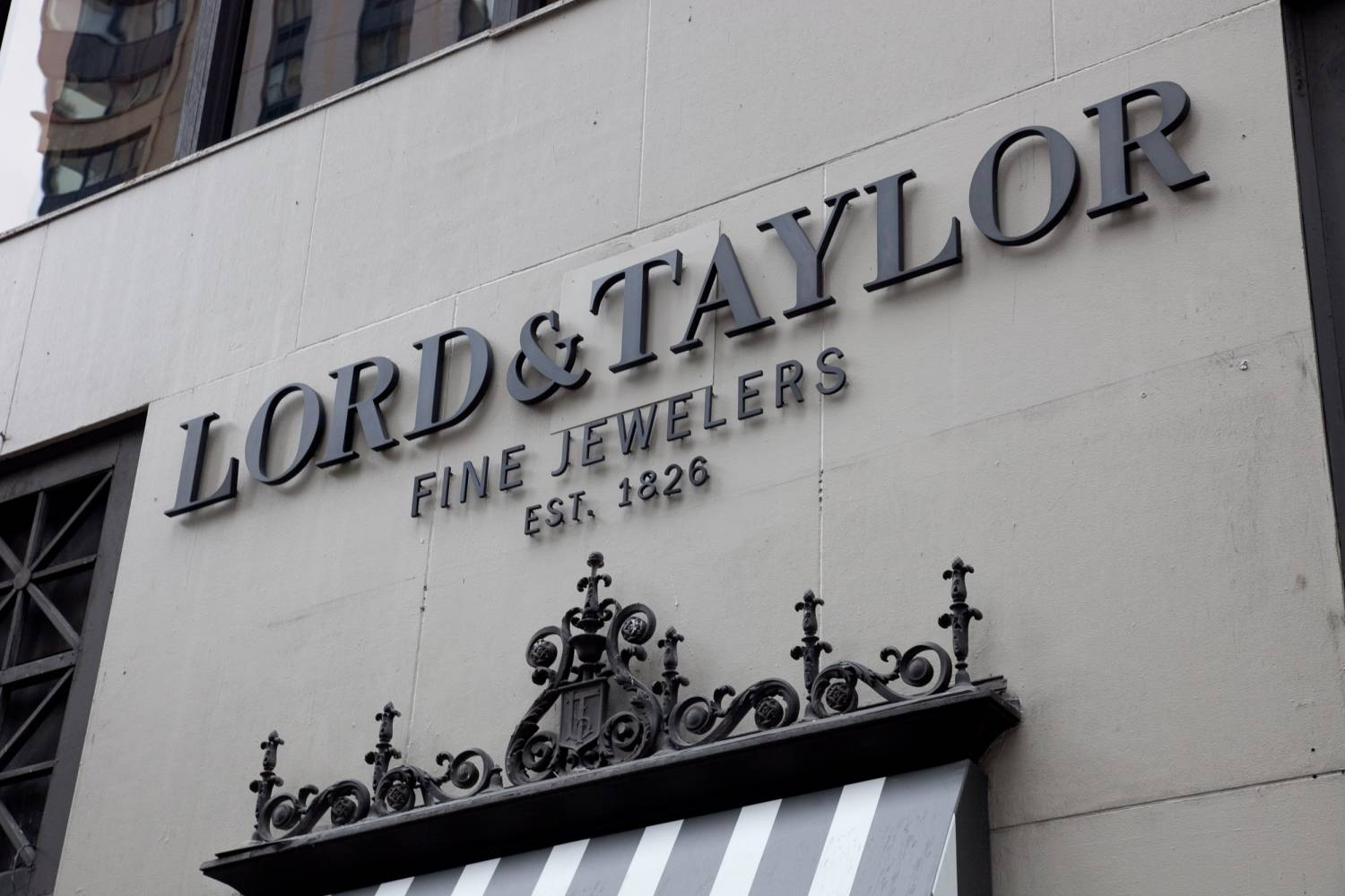 Lord & Taylor | The Official Guide to New York City Lord And Taylor Horizontal Logo