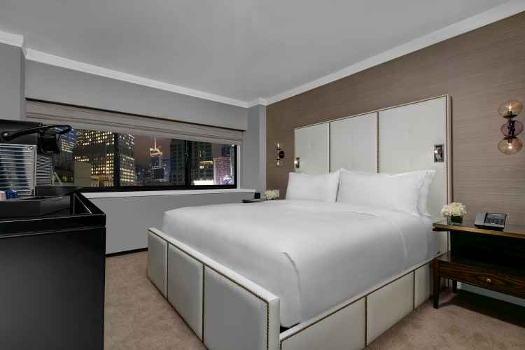 Manhattan at Times Square Hotel, room