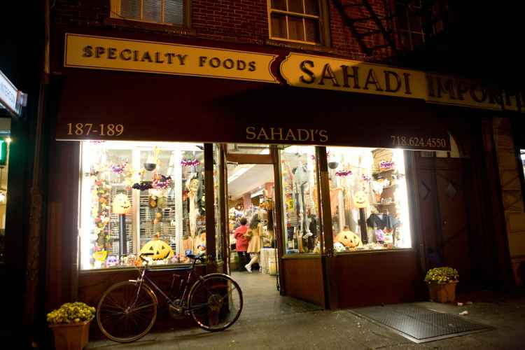 exterior of Sahadis in Brooklyn Heights at night
