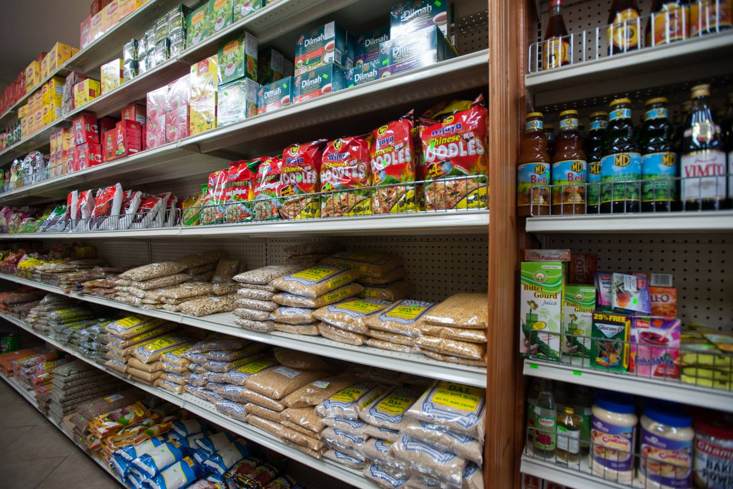 Lanka Grocery, shelves