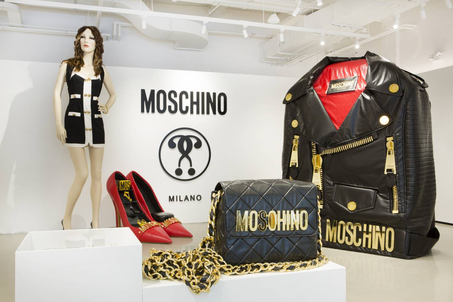 Moschino, close