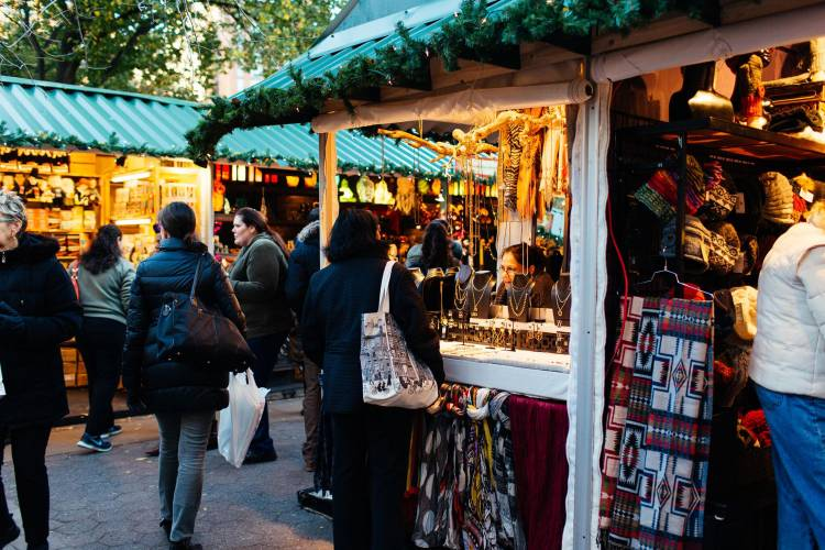 Union Square Triangle Park Christmas Shopping Ends 2020 Union Square Holiday Market | NYCgo