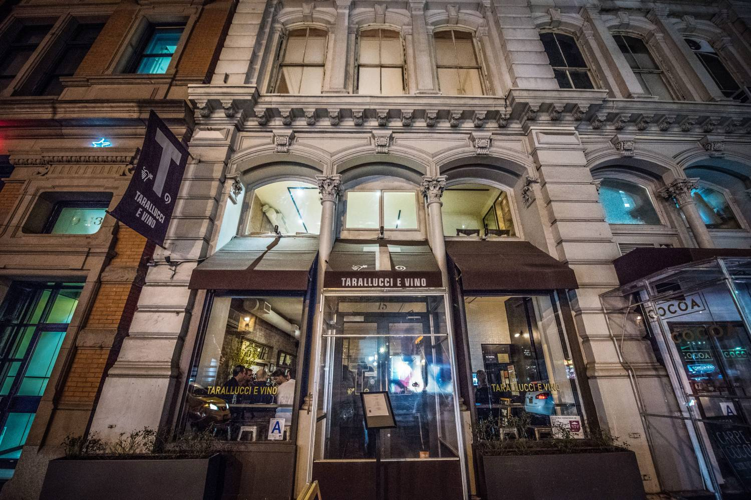 Exterior of Tarallucci e Vino in Union Square at night
