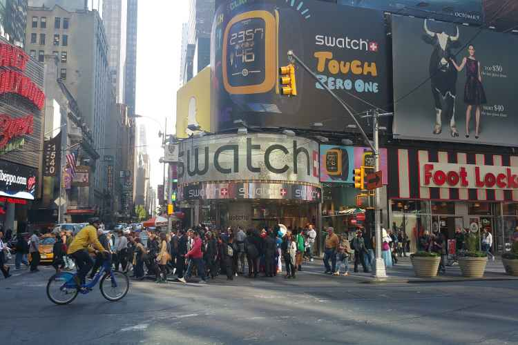 Swatch Times Square, exterior