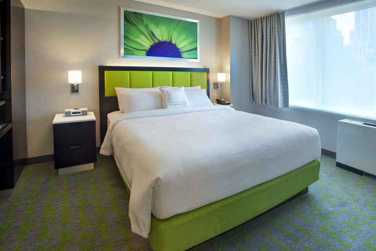 SpringHill Suites Midtown, room
