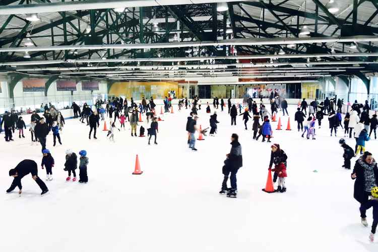 Chelsea Piers, ice skating
